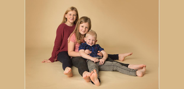 sibling older children photo session