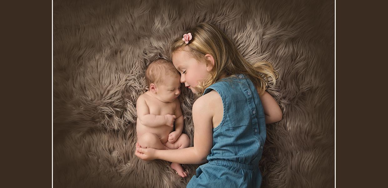 newborn siblings photos